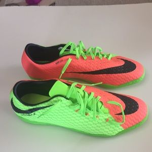 Nike Hypervenom Green Orange Sneakers